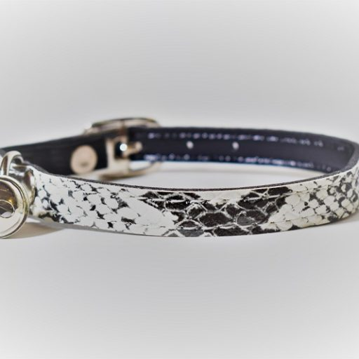 Kattenhalsbandje wit slangenleerprint